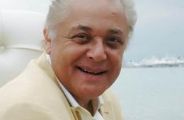 محمود عبد العزيز (2)
