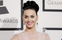 Singer Katy Perry arrives at the 56th annual Grammy Awards in Los Angeles, California January 26, 2014.       REUTERS/Danny Moloshok (UNITED STATES  - Tags: ENTERTAINMENT)  (GRAMMYS-ARRIVALS)