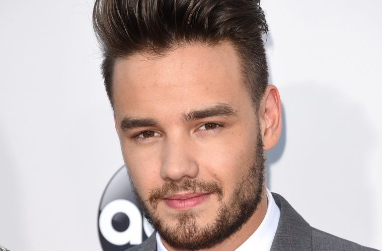 liam-payne-giving-up-smoking-new-years-resolution-social